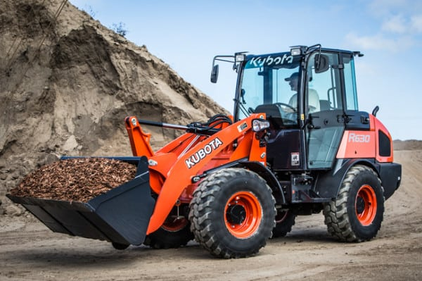KUBOTA CANADA RESERVES SPACE AND OFFERS SHUTTLE SERVICE