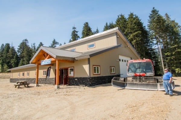 Revelstoke Club Opens New Snowmobile Welcome Center Near Boulder and Frisby Riding Areas