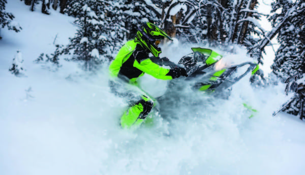 ARCTIC CAT DRAWS FIRST BLOOD WITH NEW 800